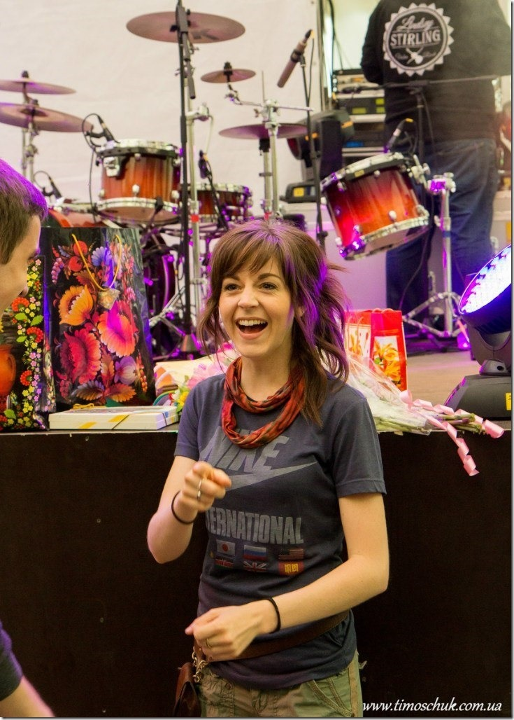 Lindsey-Stirling-UKR--5_thumb